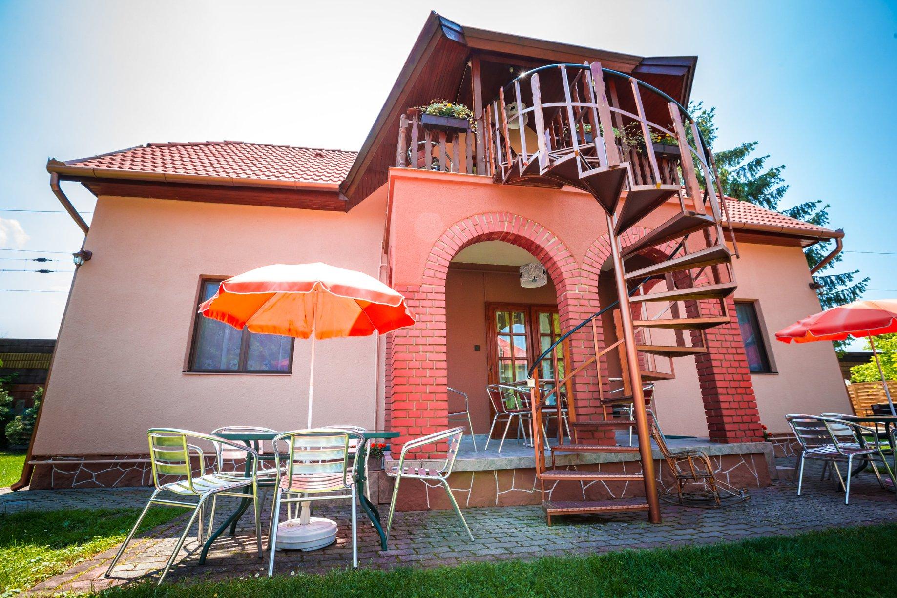 BB 250AB  Ferienhaus mit Wlan,TT-Platte,Klima für 10 Personen