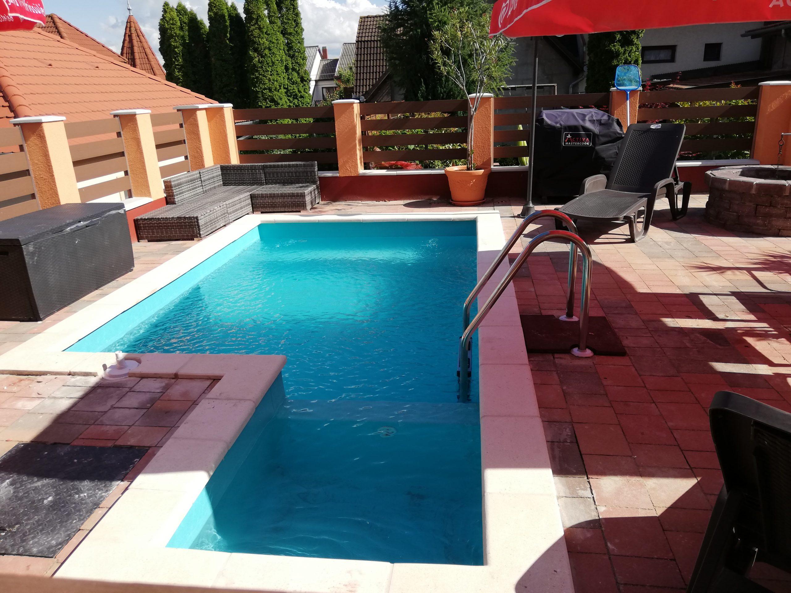 Objekt 105  Ferienhaus mit 2 getrennte Wohnungen,Pool,Wlan,Waschmaschine für 8 Personen